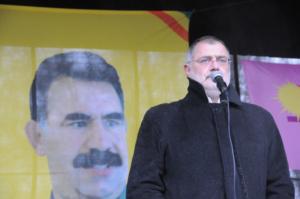 Carlo Sommaruga s'exprimant lors d'une manifestation en soutien au groupe terroriste PKK - 7 décembre 2011